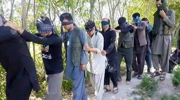 طالبان ویدیویی از کشتن ١٥ تن از قوم هزاره را منتشر کردند