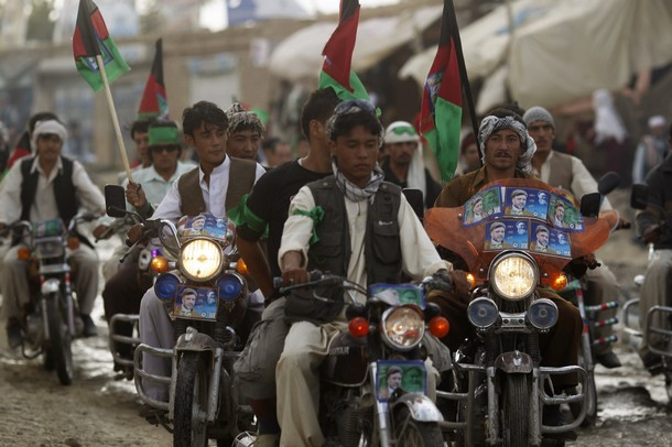 Supporters of Haji Mohammad Mohaqiq, an ethnic Hazara member of Parliament/ Reuters Pictures