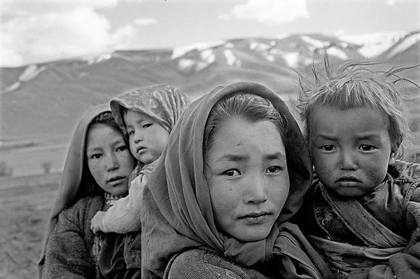 four-hazara-children