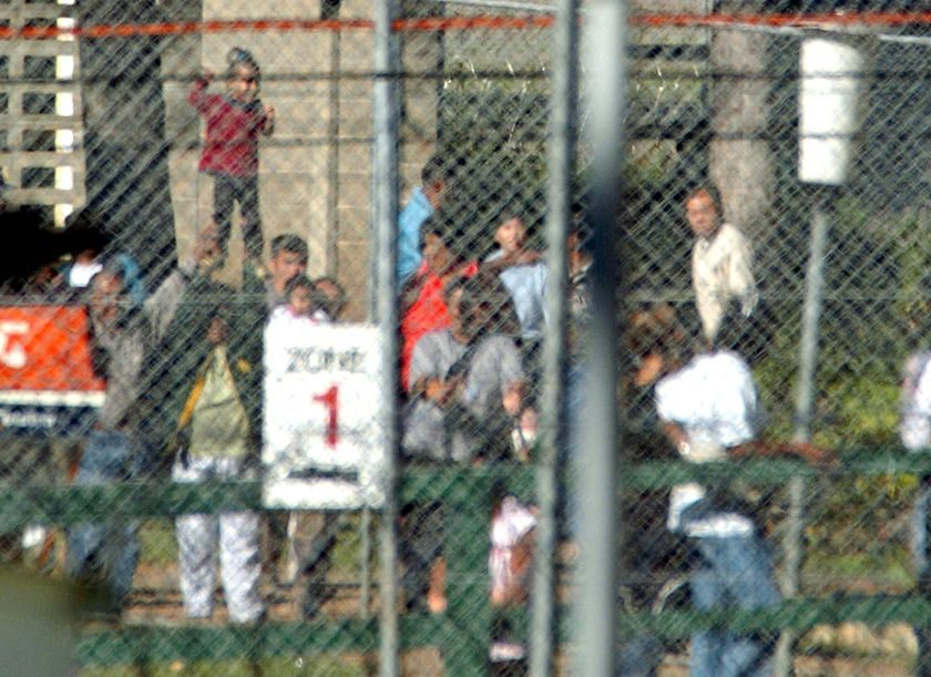 Australia should think twice about deporting unsuccessful asylum seekers, say Afghan MPs. (AAP: Mick Tsikas, file photo)