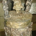 """The """"Kanishka casket"""", with the Buddha surrounded by Brahma and Indra, and Kanishka on the lower part, 127"""